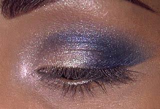 голубой макияж