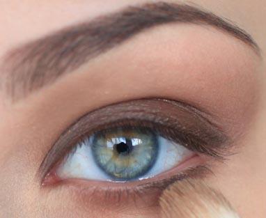 дымчатый коричневый макияж
